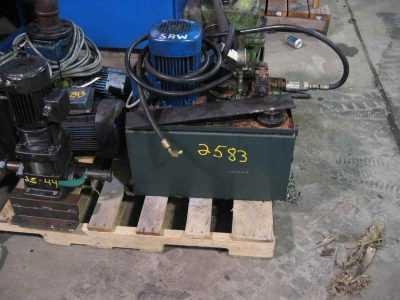 upcut saw hydraulic unit