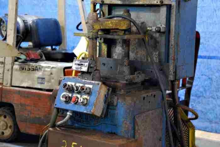18 Ton Cut-Off Press