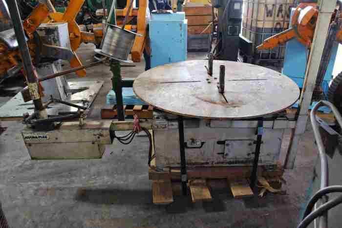 AWC Pallet Uncoiler For Sale - 5,500 Lb. x 48\