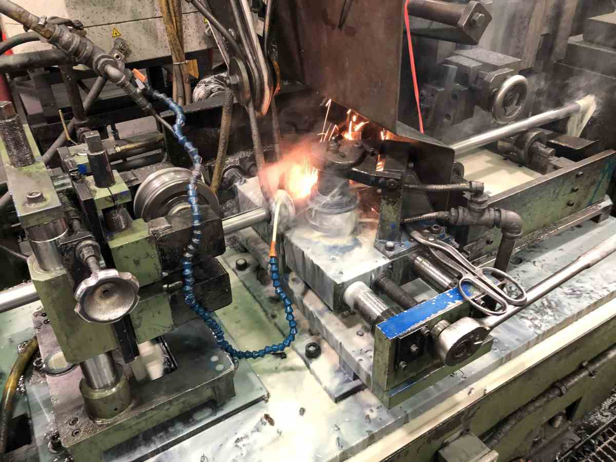 Tube and pipe welder