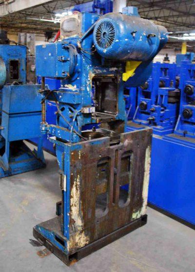 25 Ton Tilting Cut-Off 6 Inch Max Width